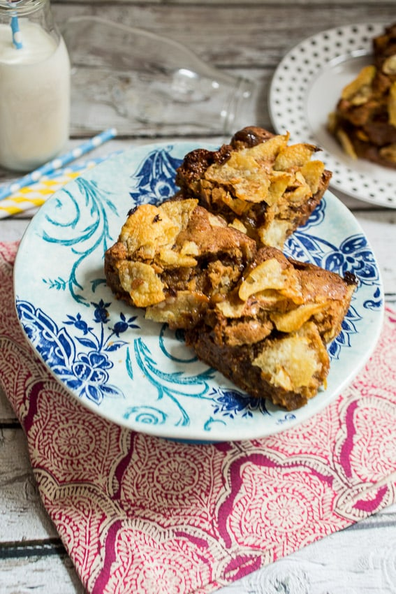 Potato Chip Dulce de Leche Blondies | girlinthelittleredkitchen.com
