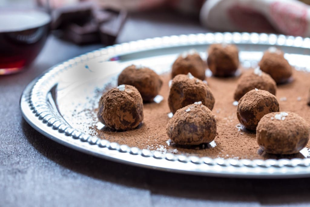 Red Wine Chocolate Truffles | girlinthelittleredkitchen.com