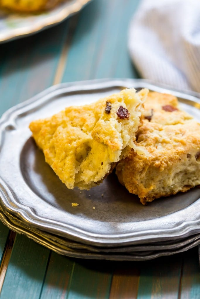 Bacon Cheddar Scones | girlinthelittleredkitchen.com