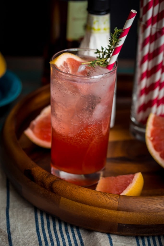 Blushing Grapefruit Collins | girlinthelittleredkitchen.com