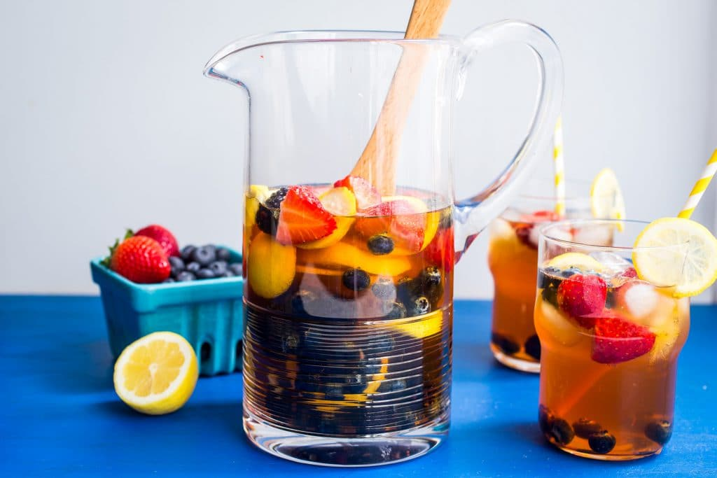 Red Rooibos Tea Sangria | girlinthelittleredkitchen.com