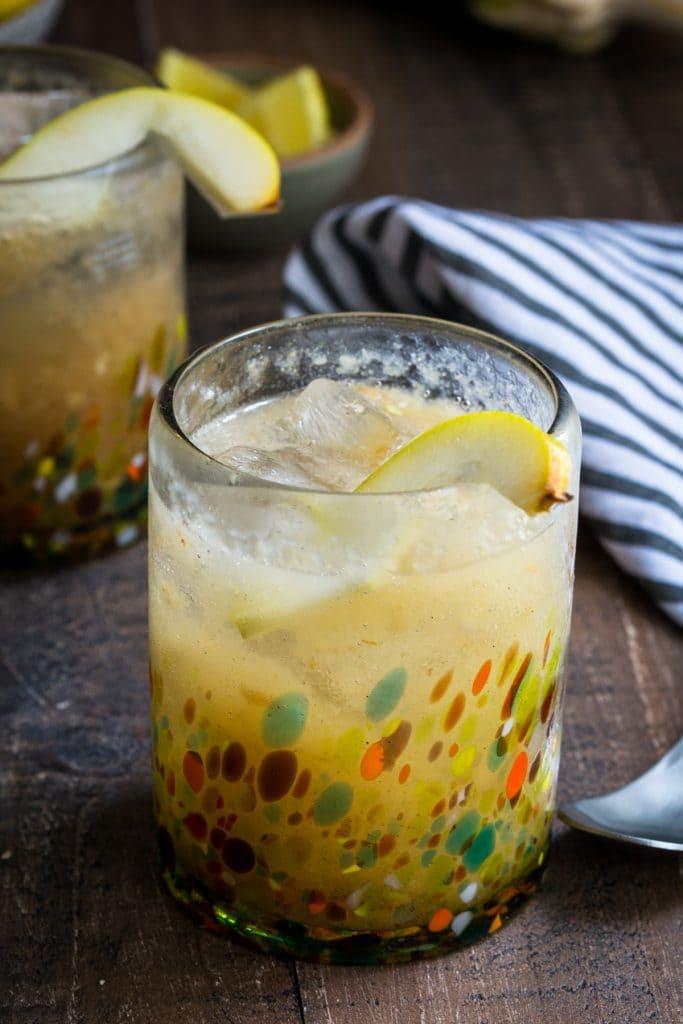 Vanilla Pear Gin Fizz | girlinthelittleredkitchen.com
