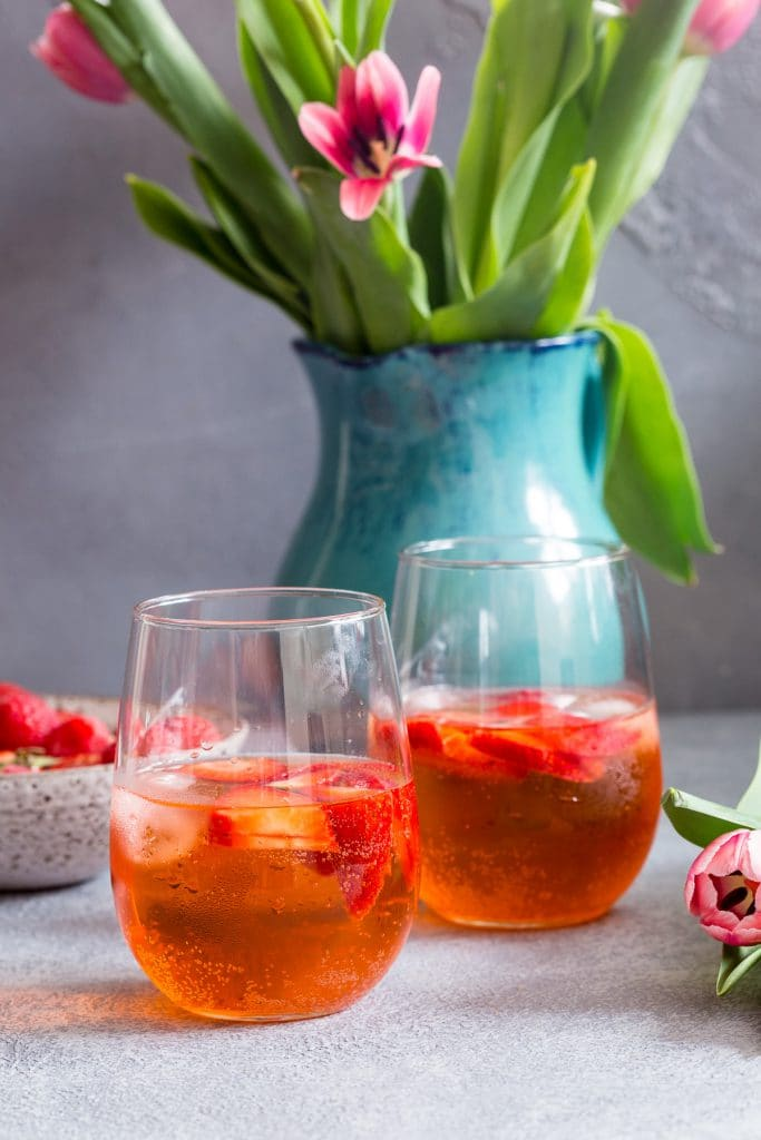 Rose Aperol Spritz | girlinthelittleredkitchen.com