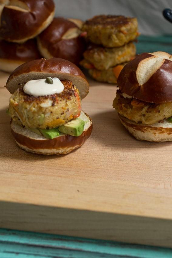 Avocado Crab Cake Sliders | girlinthelittleredkitchen.com