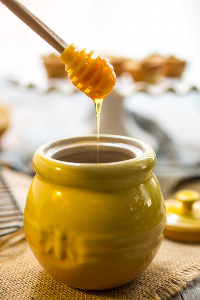 Baklava Cookie Cups | girlinthelittleredkitchen.com