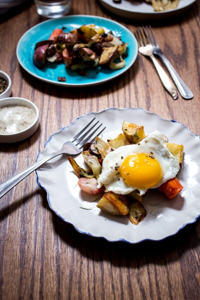 Potato and Vegetable Hash | girlinthelittleredkitchen.com