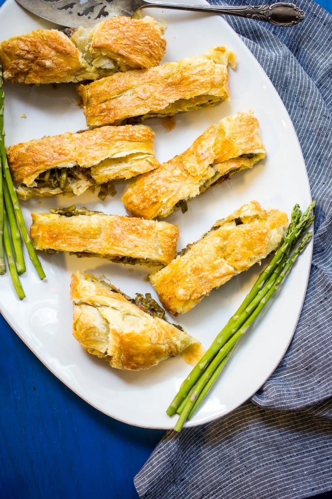 Spring Vegetable Breakfast Braid from The Girl In The Little Red Kitchen | Easy puff pastry breakfast bread filled with eggs, asparagus, mushrooms, havarti and bacon.