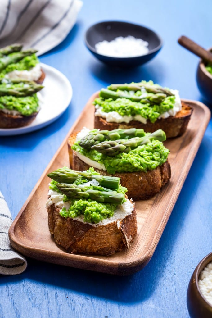 Spring Pea and Asparagus Crostini | girlinthelittleredkitchen.com