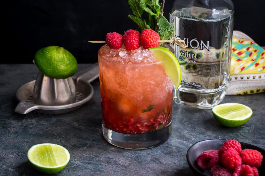 Raspberry Mint Tequila Smash | girlinthelittleredkitchen.com