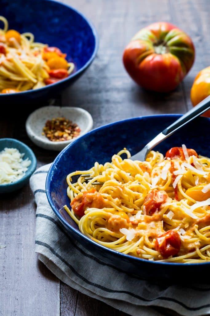 Tomato Alfredo Pasta  | girlinthelittleredkitchen.com