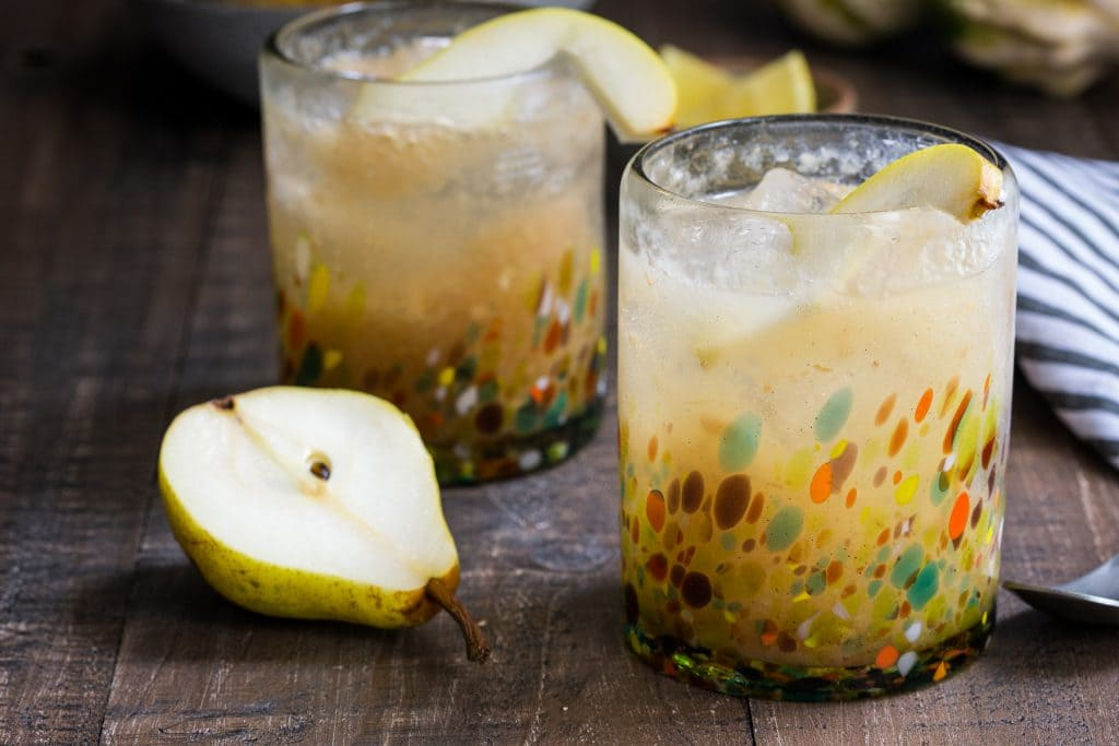 Vanilla Pear Gin Fizz | girlinthelittleredkitchen.com