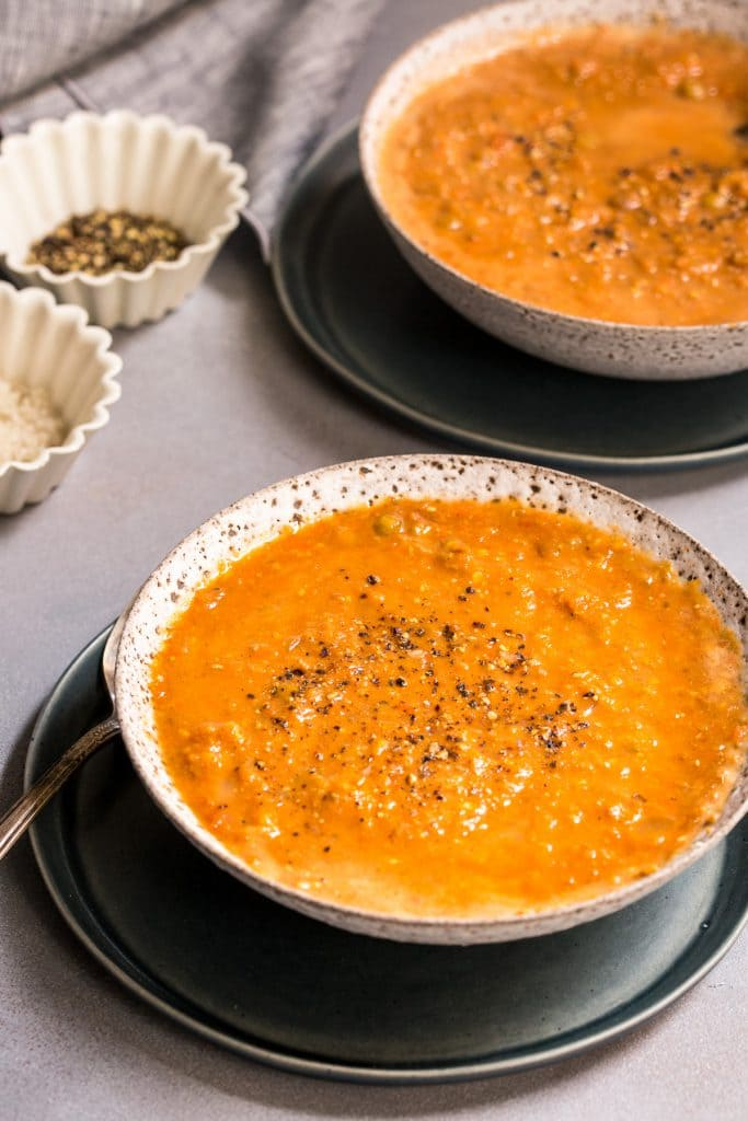 Curried Tomato Lentil Soup | girlinthelittleredkitchen.com