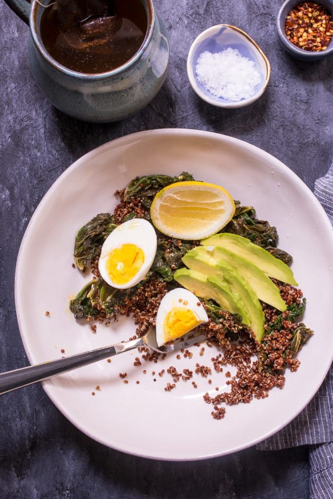 Quinoa and Kale Breakfast Bowl | girlinthelittleredkitchen.com