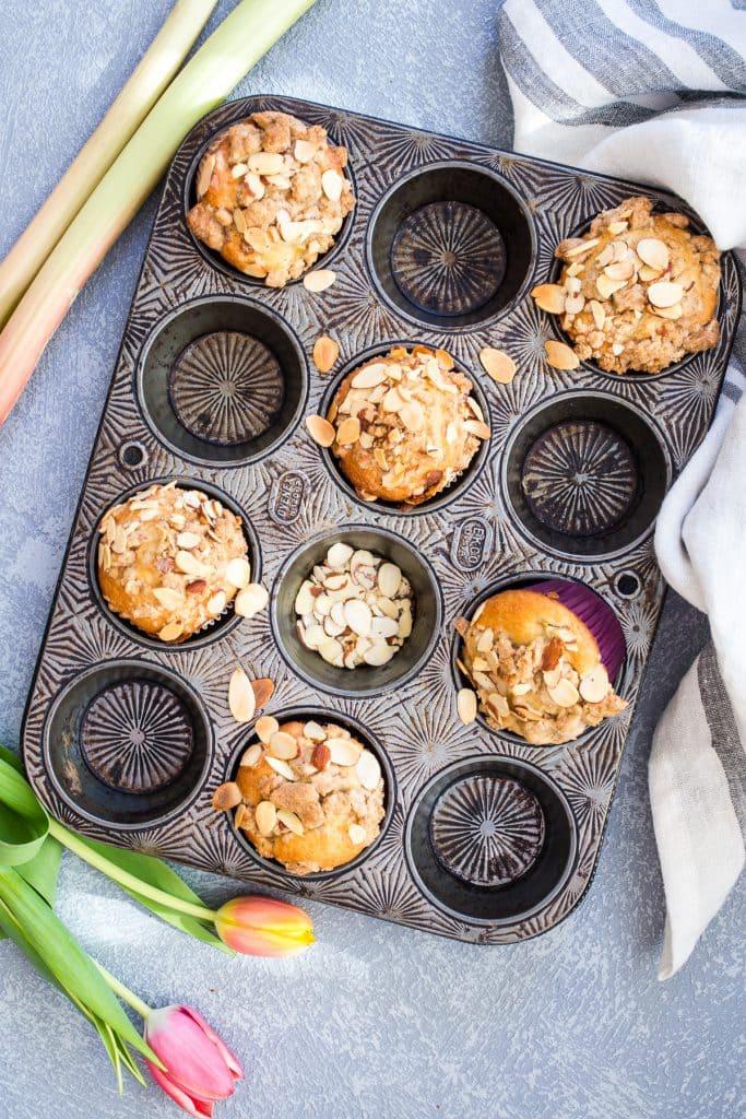 Rhubarb Almond Crumb Muffin | girlinthelittleredkitchen.com