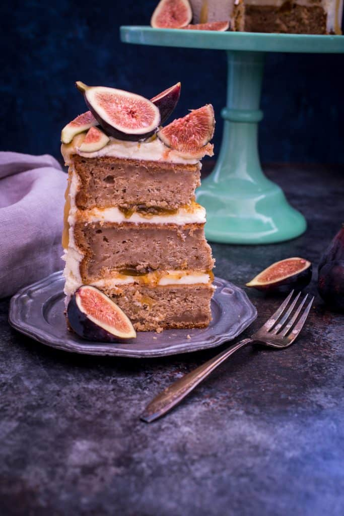 Honey Walnut Fig Cake | girlinthelittleredkitchen.com